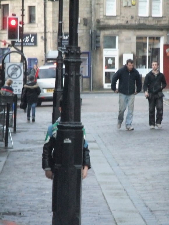 Joe behind lamppost, 24/11/11