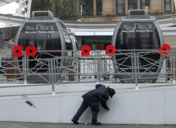 Poppies on the Wheel of Manchester, 14/11/11