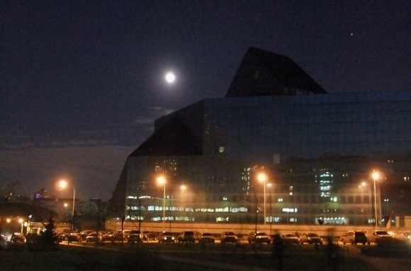 Moon over Moscow, 8/12/11