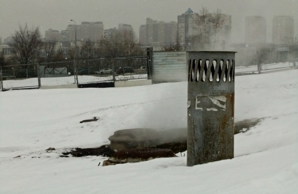 Snow in Moscow, 27/3/12