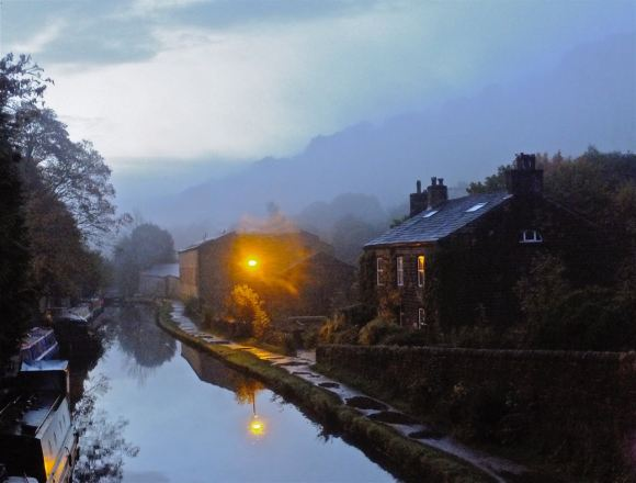 Canal, early morning, 18/10/12