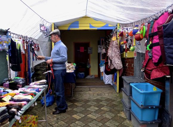 Pet stall owner, 24/5/14