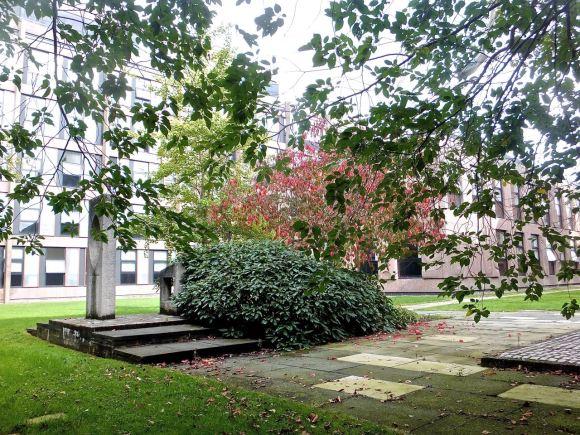 EW courtyard, 30/9/14