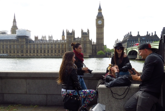 Tourists in London, 205/16