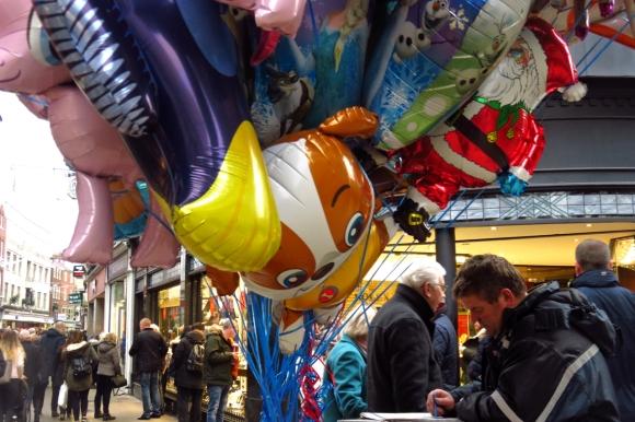 Balloon seller, 31/12/16