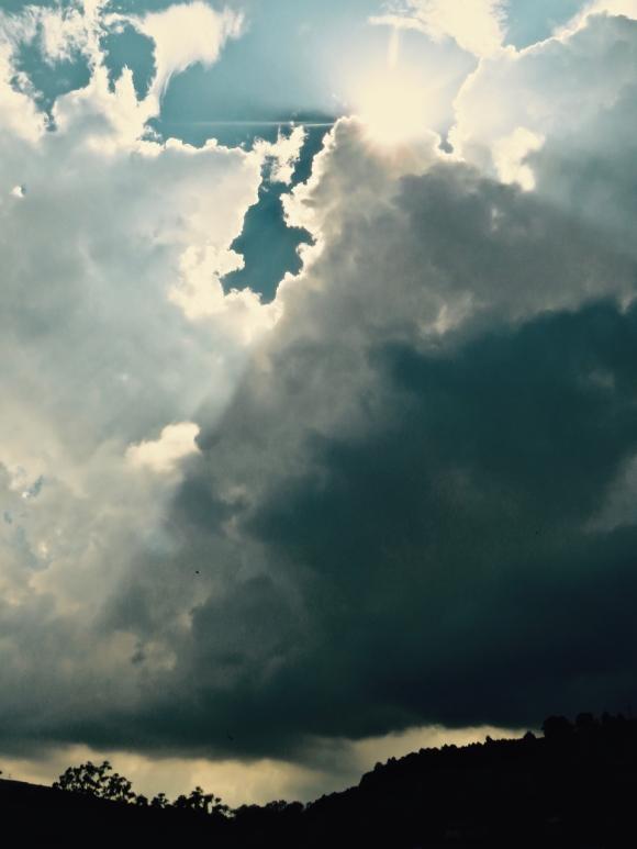 Storm gathers, 27/5/17