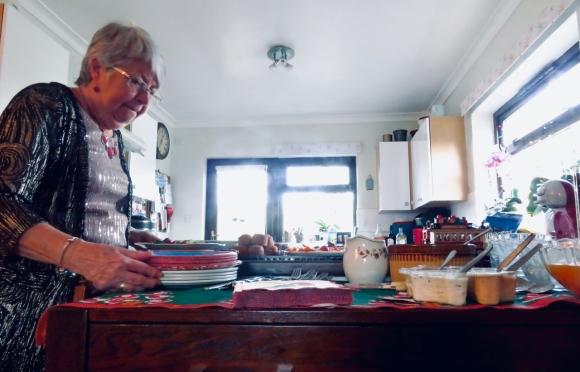 Mum prepares, 29/12/19