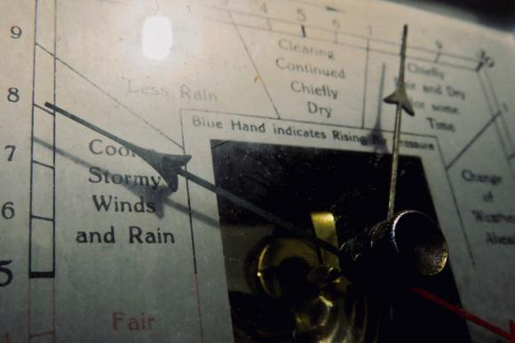 Barometer falling, 13/1/20